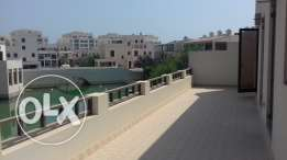 Glamorous Villa for sale in Floating city, Amwaj Islands