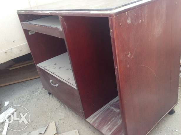 Computer table for sale توبلي -  2