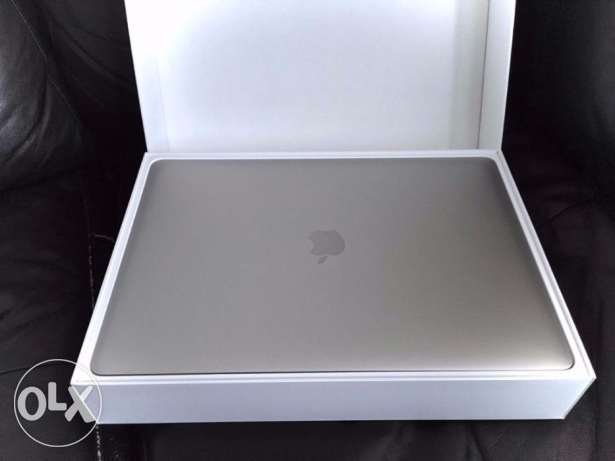 "MacBook Pro 13"" Retina 256GB SSD - RRP £1429"