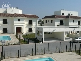 5 BR SEMI 2Storey Villa withPrivate Garden&Pool for rent SAAR