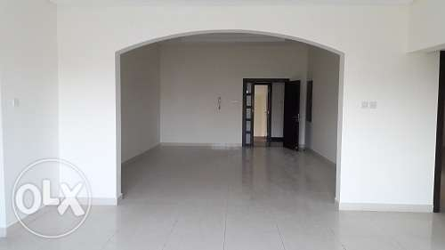 Office apartment in Busaiteen 2 1/2 bedroom BD. 500