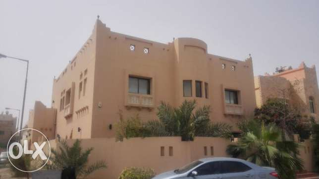 Standalone Villa , 4+1 BR with Private Pool near Amwaj for Rent