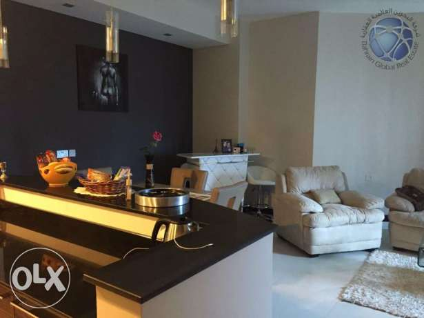 Luxurious one bedroom apartment available for urgent sale جفير -  3