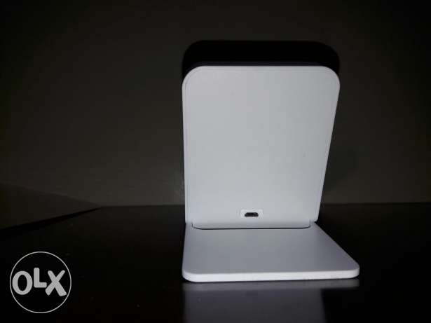 qi wireless charger works with any wireless charging phone. الحورة -  3