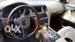 Audi Q7 fully loaded for sale