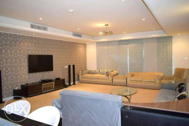 Fully Furnished Spacious Villa At Amwaj Isl (( Ref No: AJSH19)