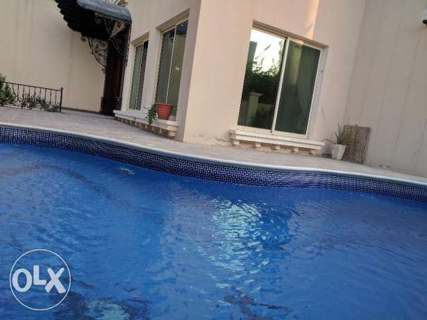 Busaiteen 4 Bedroom semi/un furnished private villa with private pool