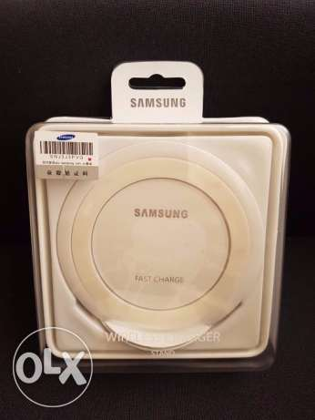 Brand New Samsung Galaxy S7 Wireless Charger Stand