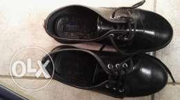 School shoes pre loved but barely worn 2 mths