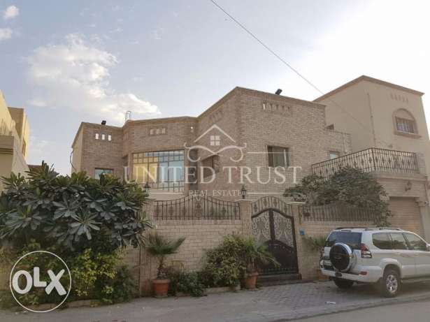 Villa for sale in Tubli Bay
