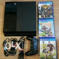 Ps4 for sale good condition with 3 games