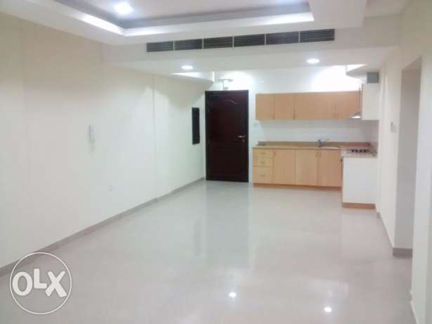 2 bedroom 2 bathroom flat with balcony for rent at Janabiyah, Sar
