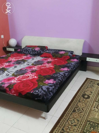"""American Reall wood bed with high quality 8 """" thik matress"""