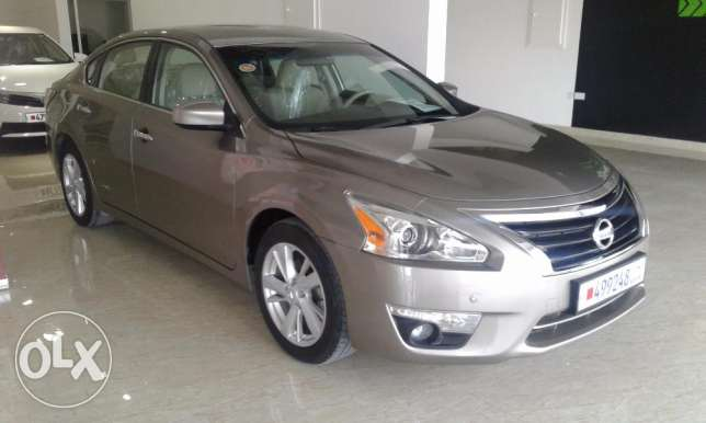For sale Nissan altima 2.5SV (model 2014)