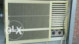 Carrier second hand a/c good conditions and with fixeing with warinty