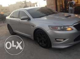Ford Taurus model 2010 very good condition free acident almost new