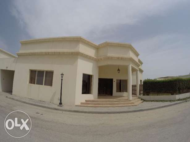 Semi Furnished 3 bedroom Compound Villa for Rent in Janabiya