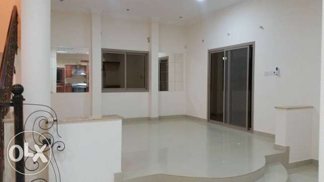 semi furnished villa close to Saudi causeway bisb جانبية -  5