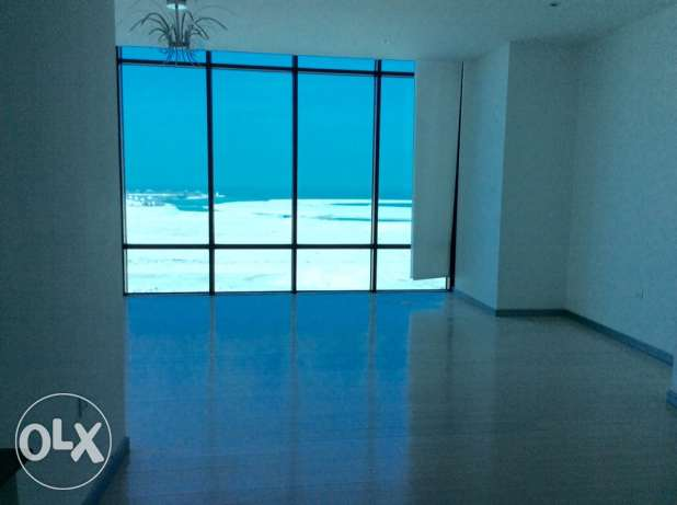Sea view 2 bedroom semi furnished apartment السيف -  6