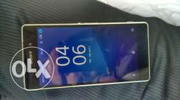 Sony z2, 1 years old no bill no box, 3gb ram, 16 GB internal memory,
