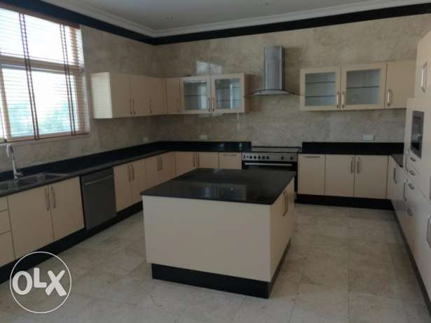 Gorgeous 5+1 bedroom Semifurnished villa for rent at Janusan البديع -  3
