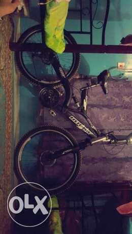 Mountain sport bike rocky in excellent condition+powerbank 8000mah fre