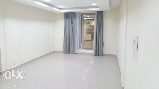 janabiyah, semi furnished, 2 BR , Balcony