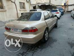 Honda accord model 2000 mid option