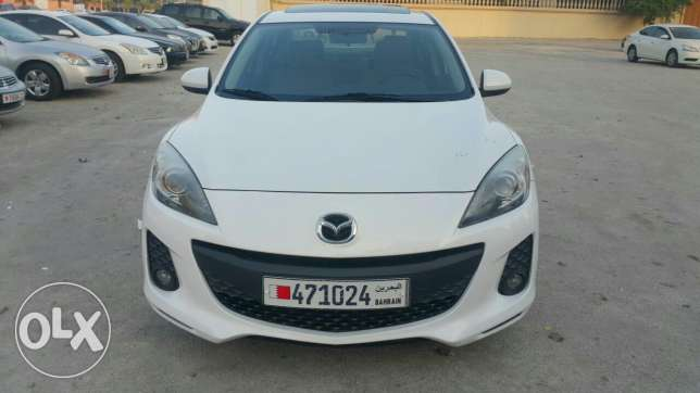 2014 mazda 3 full option with sunroof accident free