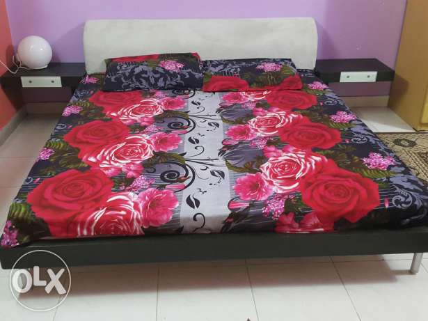 "American modern real wood bed with high quality 8 "" thik matress"