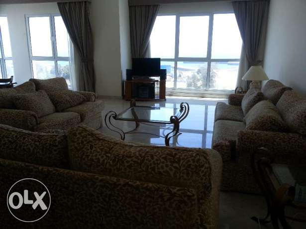 Huge Apartment 3 bed room for rent in exhibition road hoora