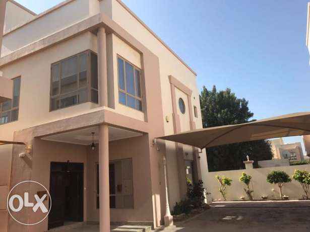 Fully Spacious 3 BR villa in Janabiya