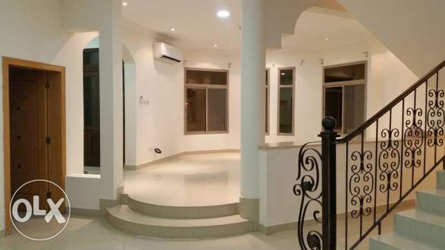 semi furnished villa close to Saudi causeway bisb جانبية -  3