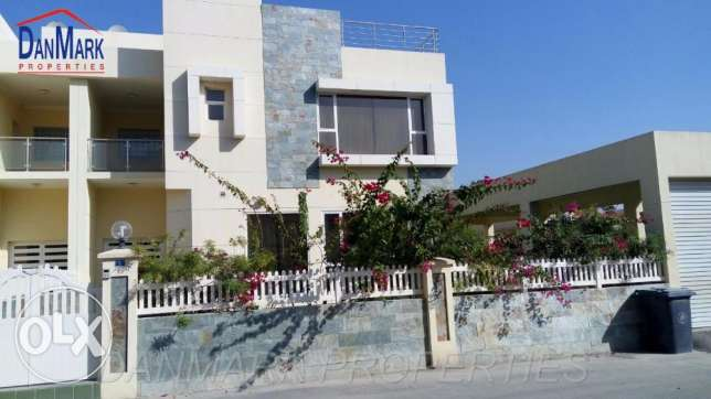 Luxury 3 BR Semi 2 storey Villa with Private Pool & Garden JANABIYA