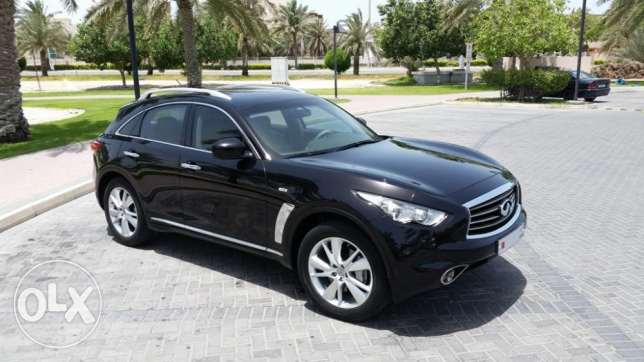 INFINITI FX35 (QX70) Fully Loaded and Excellent Condition