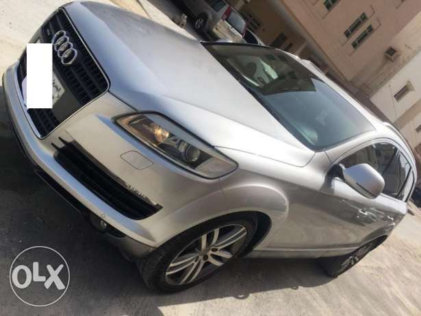 urgent sale !! Fully loaded AUDI Q7 for sale very low kms expat driven