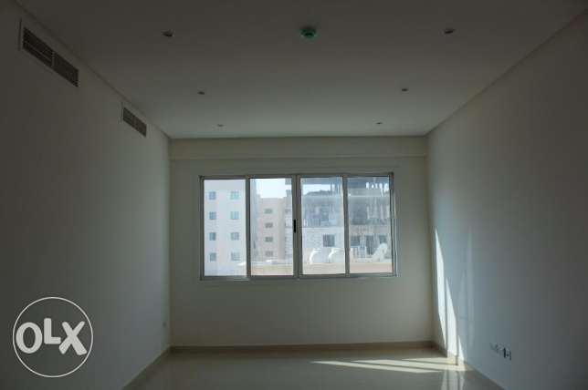 2 Bedroom bright s/furnished Apartment in New hidd