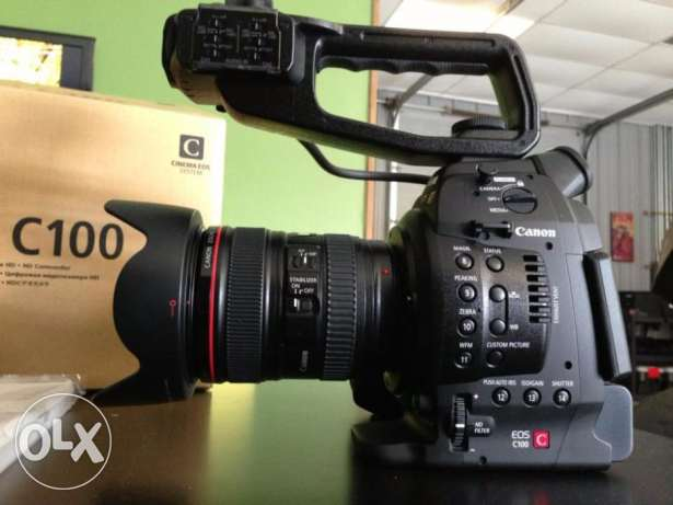 Canon C100 Mark 1 with Dual Pixel Auto Focus Body Only