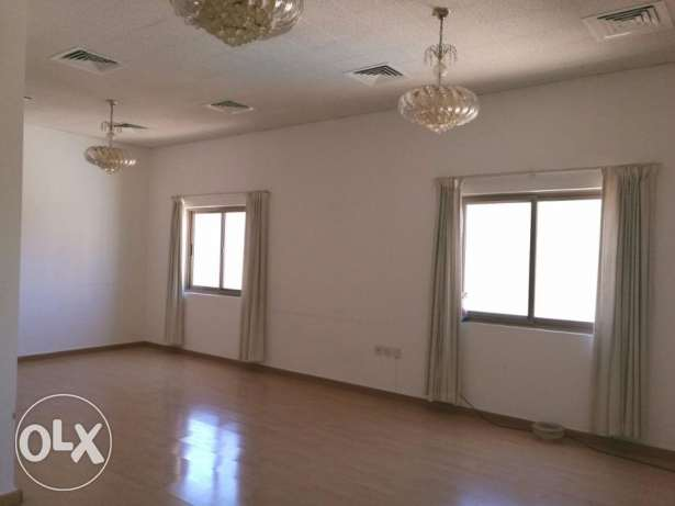 SEMI FURNISHED-CENT AC-2bedroom,2bathroom,hall,lift,kitchen