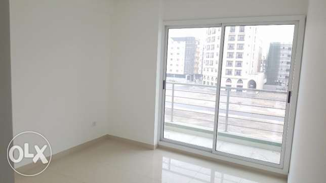 Nw hidd, perfect 2 BHK flat Semi furnished with balcony and central Ac