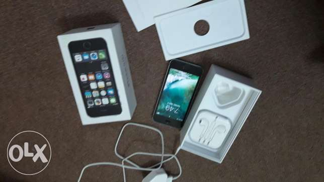 I phone 5s 16 gb condition same new 100 clean