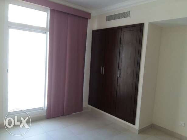Buhair/Rifaa3 2 BR flat semi furnished with gym & pool