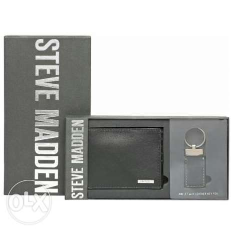 New Steve madden men wallet with key chain pure leather authentic.