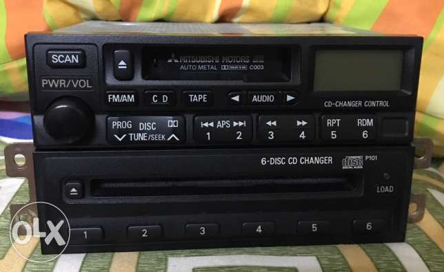 Mitsubishi tape with 6 CD changers