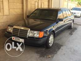 Mercedes limousine in brand new condition actual mileage 10,000km (te