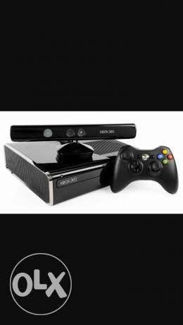 X-BOX 360 with kinect, controller and 4 games