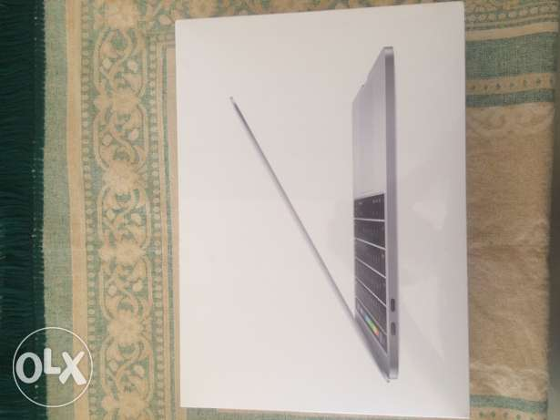 MacBookPro 13inch (touch bar) sealed