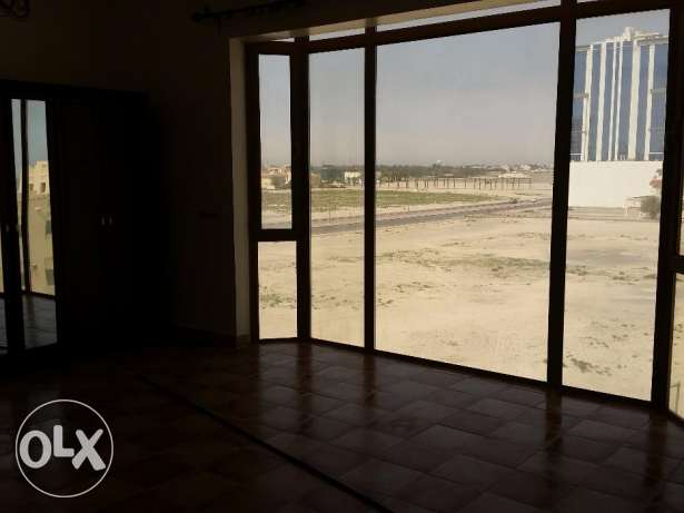 Nice sea-view three bedroom, two bathroom semi-furnished apartment