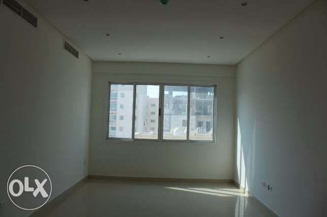 2 Bedroom Bright and clean s/furnished Apartment in New hidd