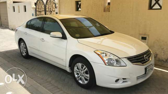 For sale NISSAN ALTIMA Model 2012 Km 110000 Full golden insurance pa